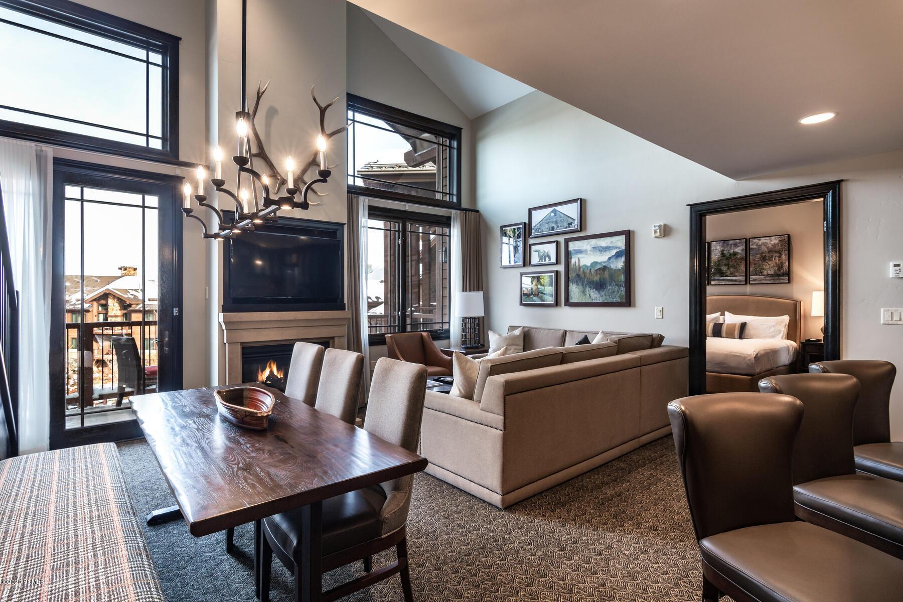 2100 Frostwood Boulevard, Park City, Utah 84098, 4 Bedrooms Bedrooms, ,4 BathroomsBathrooms,Condominium,For Sale,Frostwood,12003959