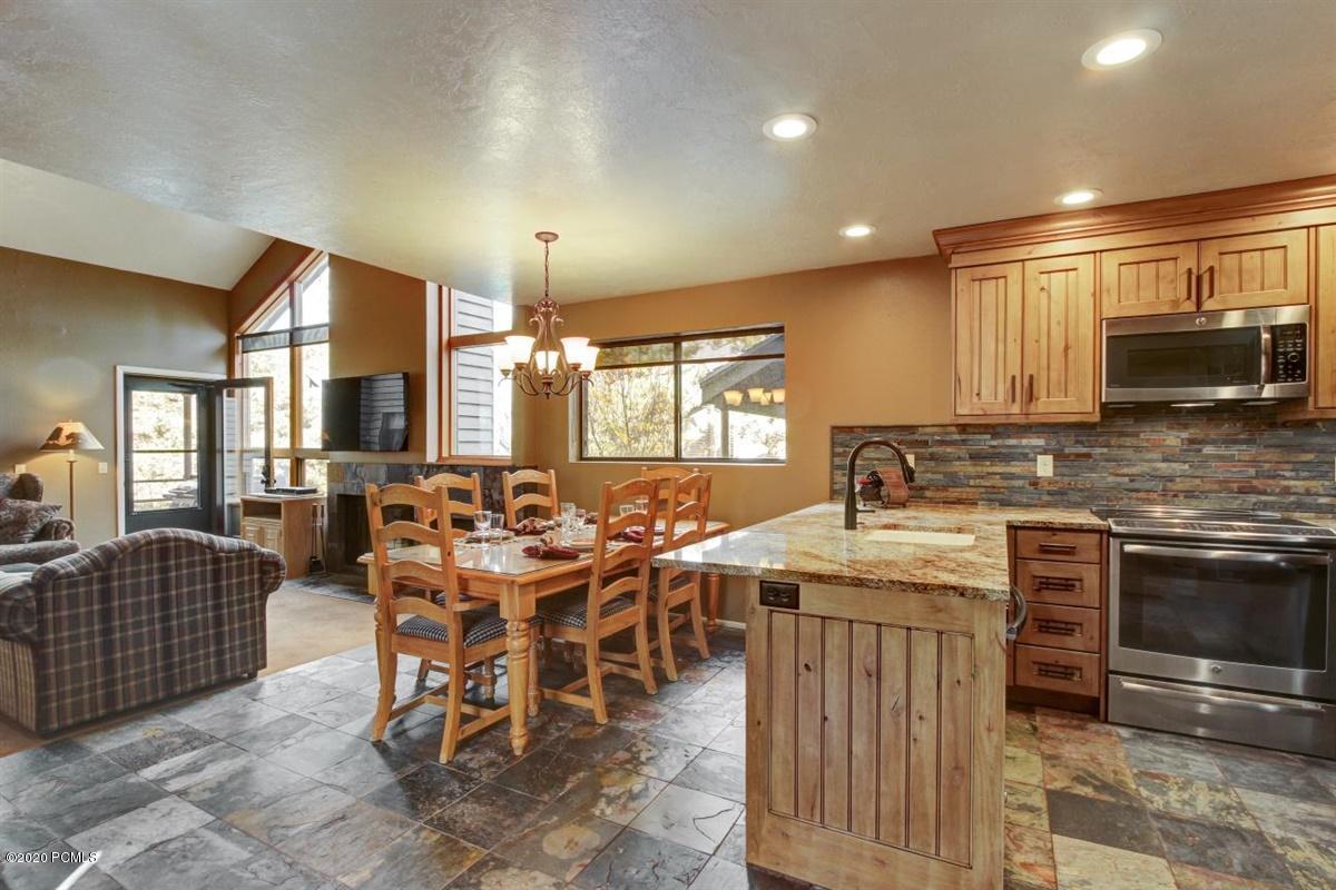 2110 Commanche Trail, Park City, Utah 84098, 3 Bedrooms Bedrooms, ,4 BathroomsBathrooms,Condominium,For Sale,Commanche,12004007