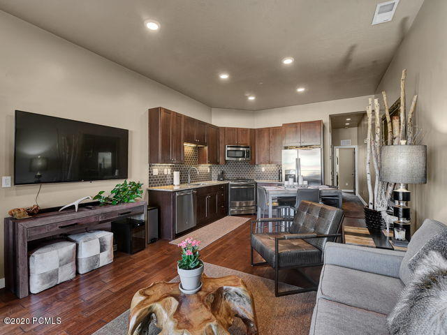6169 Park Lane South #30, Park City, Utah 84098, 2 Bedrooms Bedrooms, ,2 BathroomsBathrooms,Condominium,For Sale,Park Lane South #30,12004130