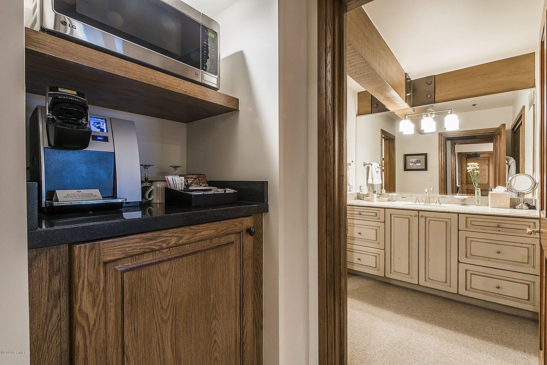 7700 Stein Way, Park City, Utah 84060, 4 Bedrooms Bedrooms, ,5 BathroomsBathrooms,Condominium,For Sale,Stein,12004187