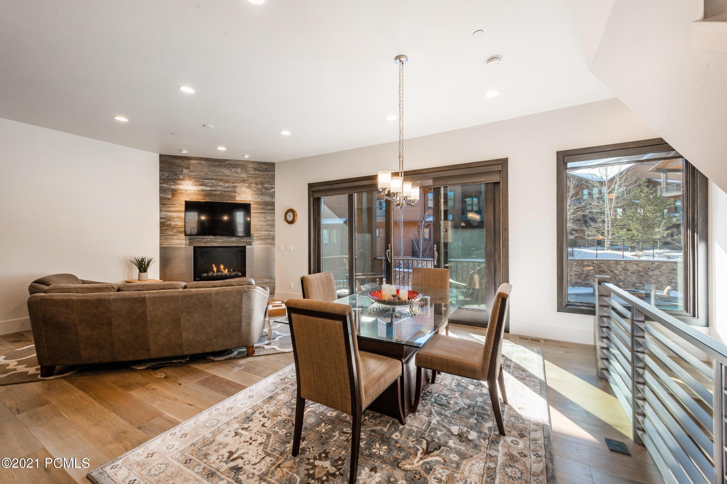 4264 Willow Draw Road, Park City, Utah 84098, 2 Bedrooms Bedrooms, ,3 BathroomsBathrooms,Condominium,For Sale,Willow Draw,12100076