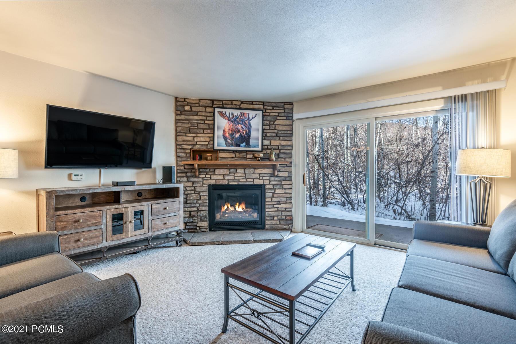 405 Silver King Drive, Park City, Utah 84060, 2 Bedrooms Bedrooms, ,2 BathroomsBathrooms,Condominium,For Sale,Silver King,12100092