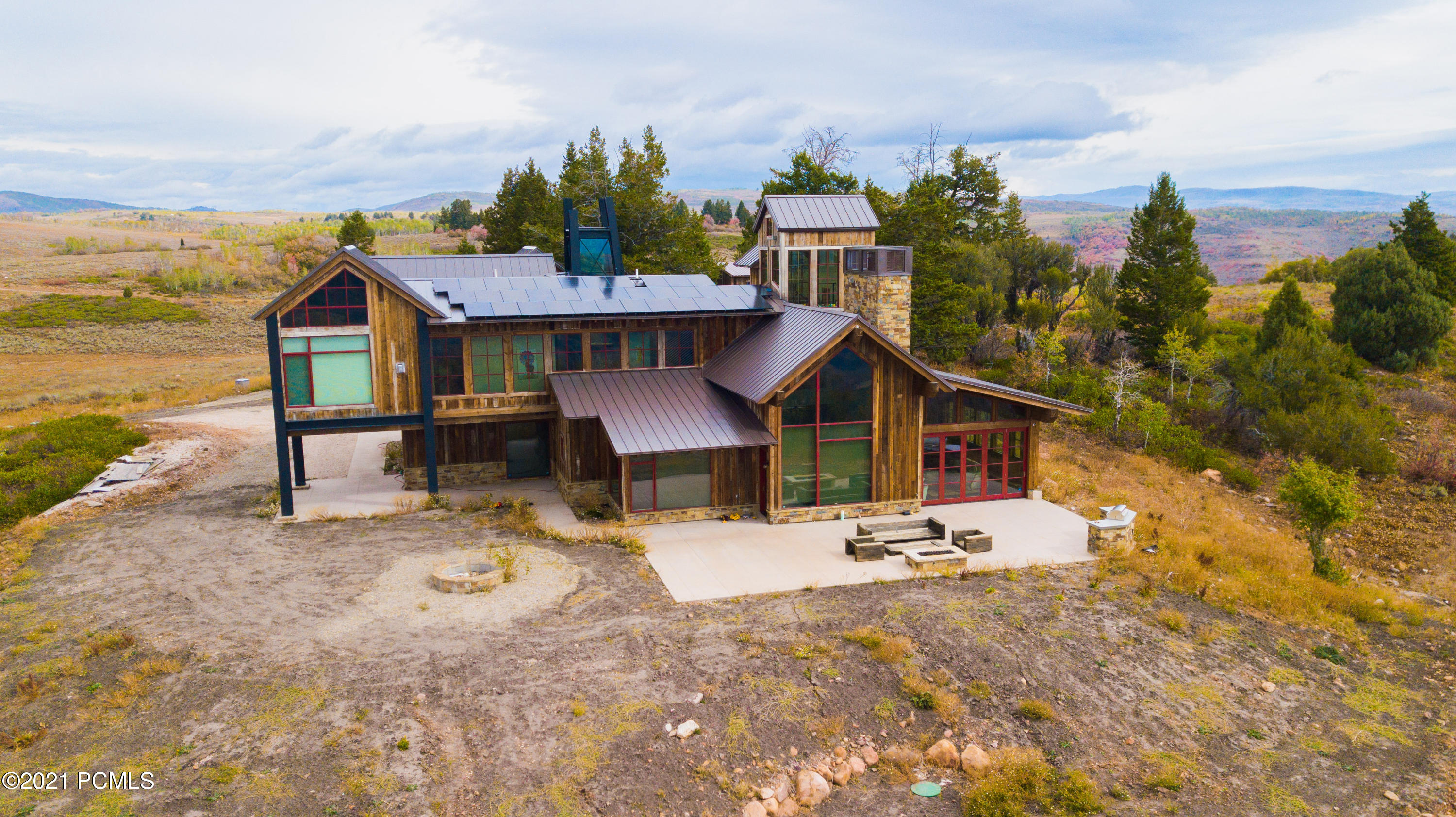 3930 Middle Fork Drive Drive, Huntsville, Utah 84317, 4 Bedrooms Bedrooms, ,4 BathroomsBathrooms,Single Family,For Sale,Middle Fork Drive,12000005