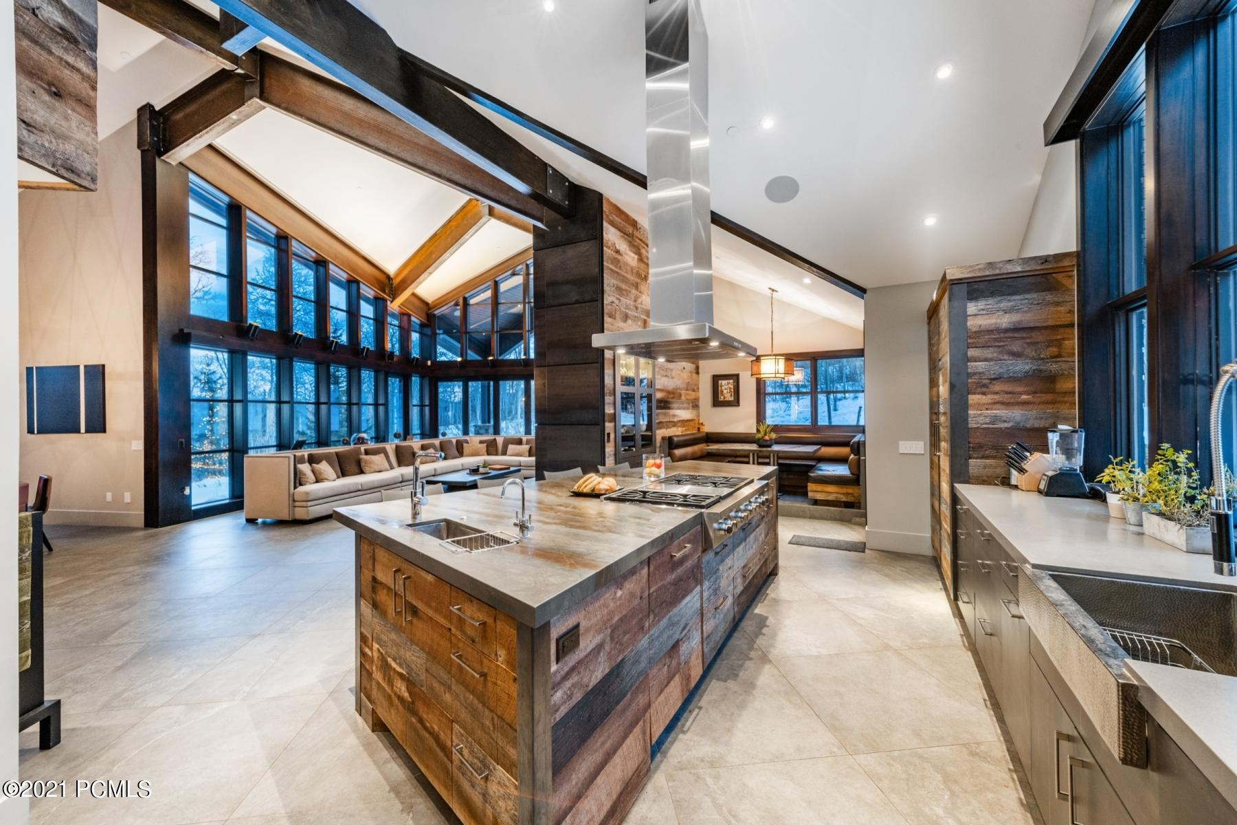 21 Canyon Court, Park City, Utah 84060, 6 Bedrooms Bedrooms, ,9 BathroomsBathrooms,Single Family,For Sale,Canyon,12100223