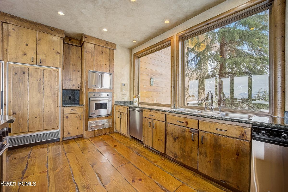 1220 State Rd 248, Park City, Utah 84098, 9 Bedrooms Bedrooms, ,13 BathroomsBathrooms,Single Family,For Sale,State Rd 248,12100503