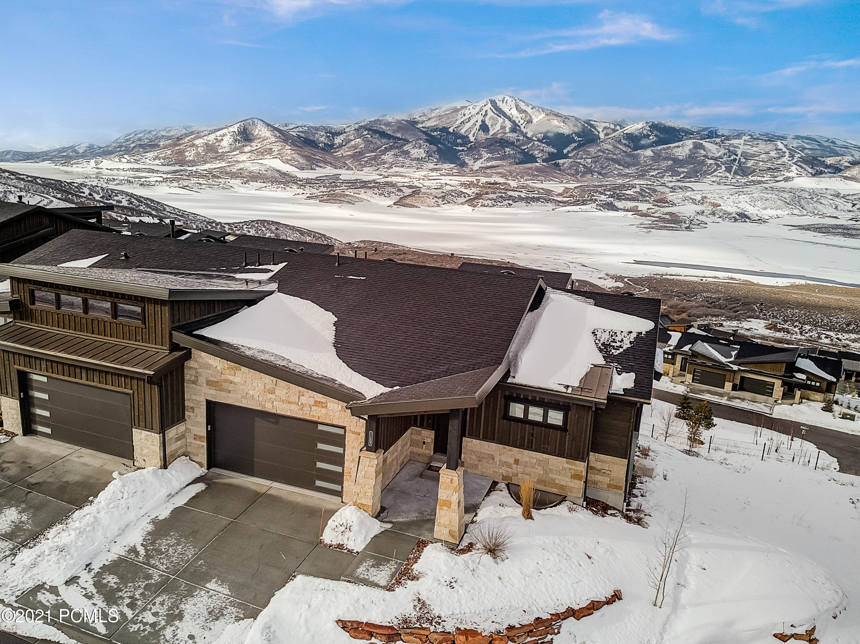 11307 Shoreline Court, Hideout, Utah 84036, 4 Bedrooms Bedrooms, ,4 BathroomsBathrooms,Condominium,For Sale,Shoreline,12100626