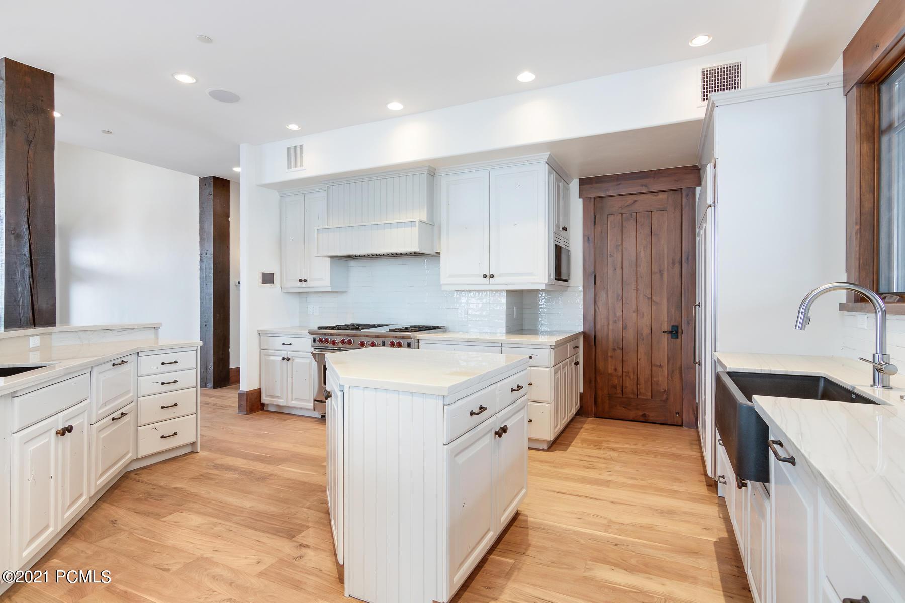 2681 Deer Hollow Road, Heber City, Utah 84032, 5 Bedrooms Bedrooms, ,7 BathroomsBathrooms,Single Family,For Sale,Deer Hollow,12100575