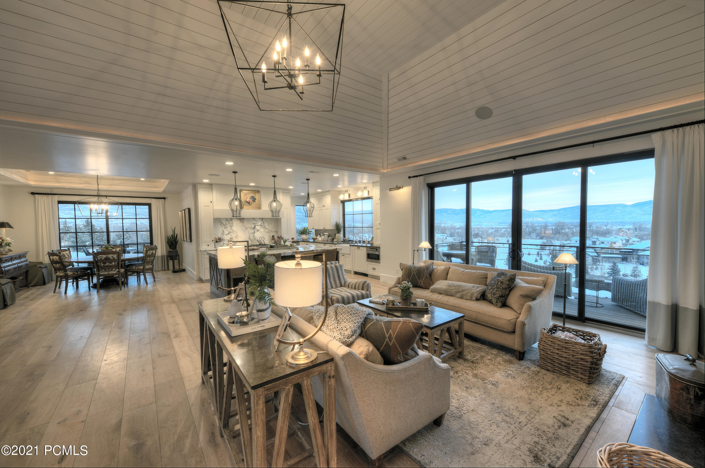 2530 River Meadows Lane, Midway, Utah 84049, 4 Bedrooms Bedrooms, ,4 BathroomsBathrooms,Single Family,For Sale,River Meadows,12100608