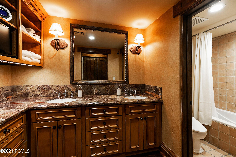7815 Royal Street East, Park City, Utah 84060, 2 Bedrooms Bedrooms, ,3 BathroomsBathrooms,Condominium,For Sale,Royal Street,12100609
