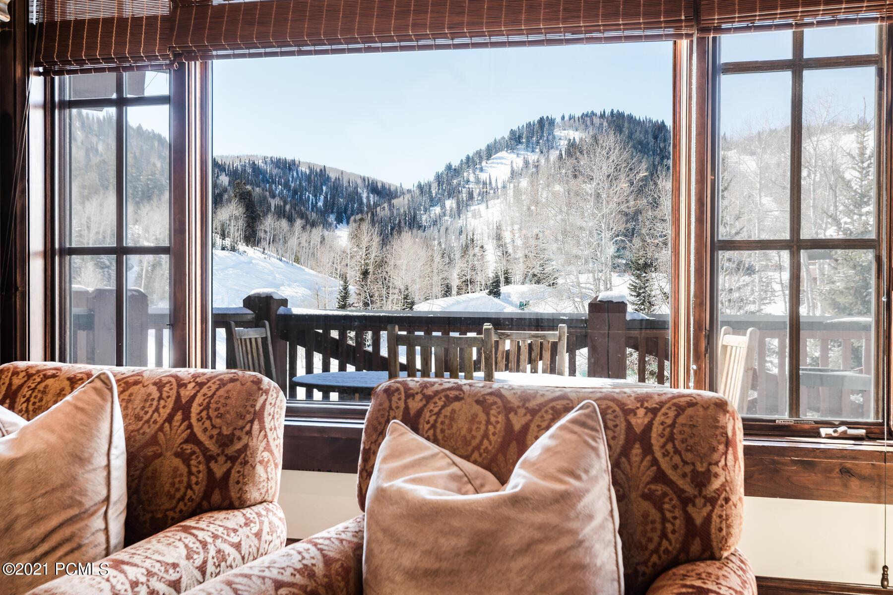 7560 Royal St, Park City, Utah 84060, 4 Bedrooms Bedrooms, ,6 BathroomsBathrooms,Condominium,For Sale,Royal St,12004942