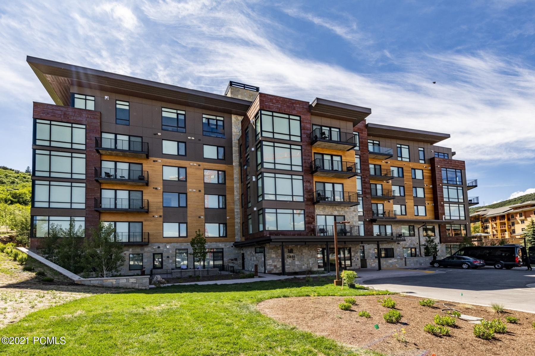 2431 High Mountain Road, Park City, Utah 84098, 3 Bedrooms Bedrooms, ,3 BathroomsBathrooms,Condominium,For Sale,High Mountain,12101369