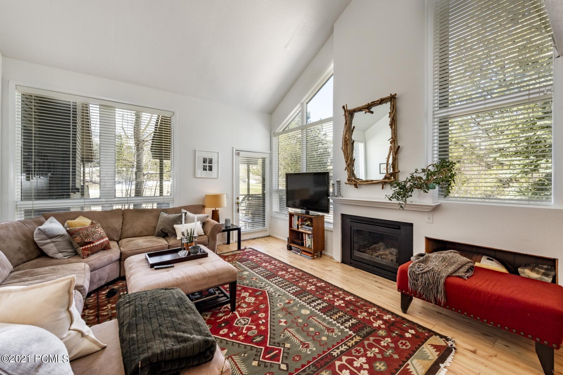 3661 Navajo Trail, Park City, Utah 84098, 3 Bedrooms Bedrooms, ,4 BathroomsBathrooms,Condominium,For Sale,Navajo,12101384