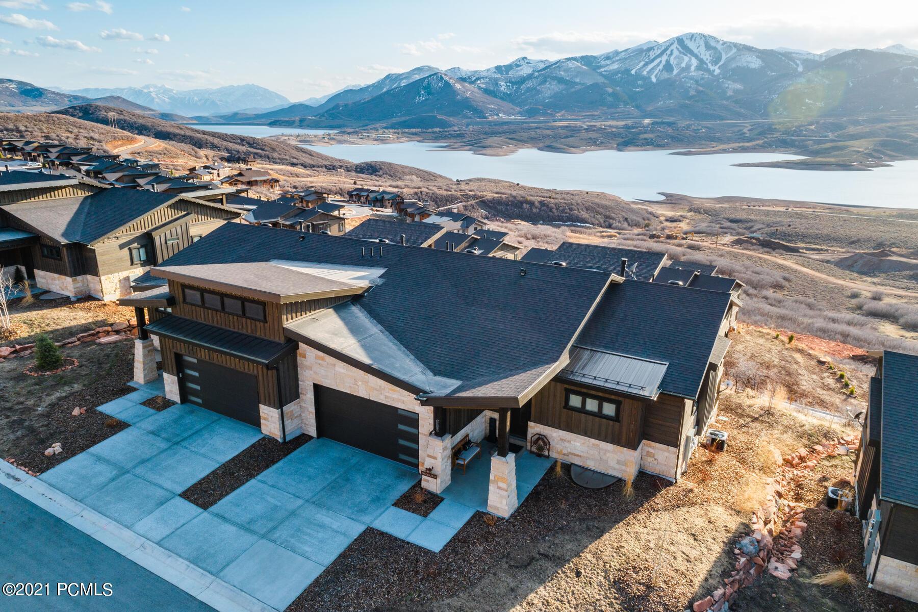 11365 Shoreline Court, Hideout, Utah 84036, 3 Bedrooms Bedrooms, ,3 BathroomsBathrooms,Condominium,For Sale,Shoreline,12101432