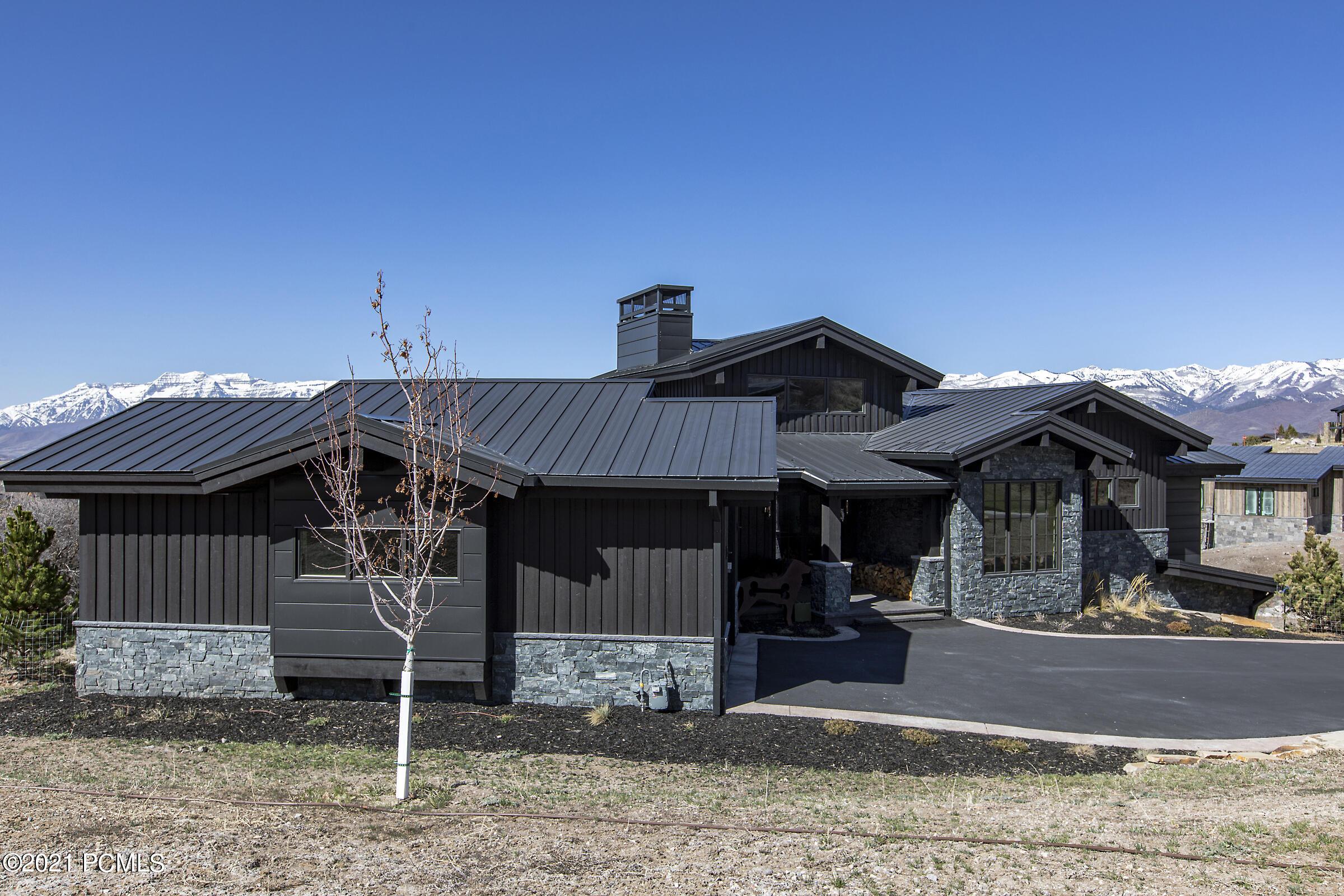 2118 Notch Mountain Cir, Heber City, Utah 84032, 3 Bedrooms Bedrooms, ,5 BathroomsBathrooms,Single Family,For Sale,Notch Mountain Cir,12101443