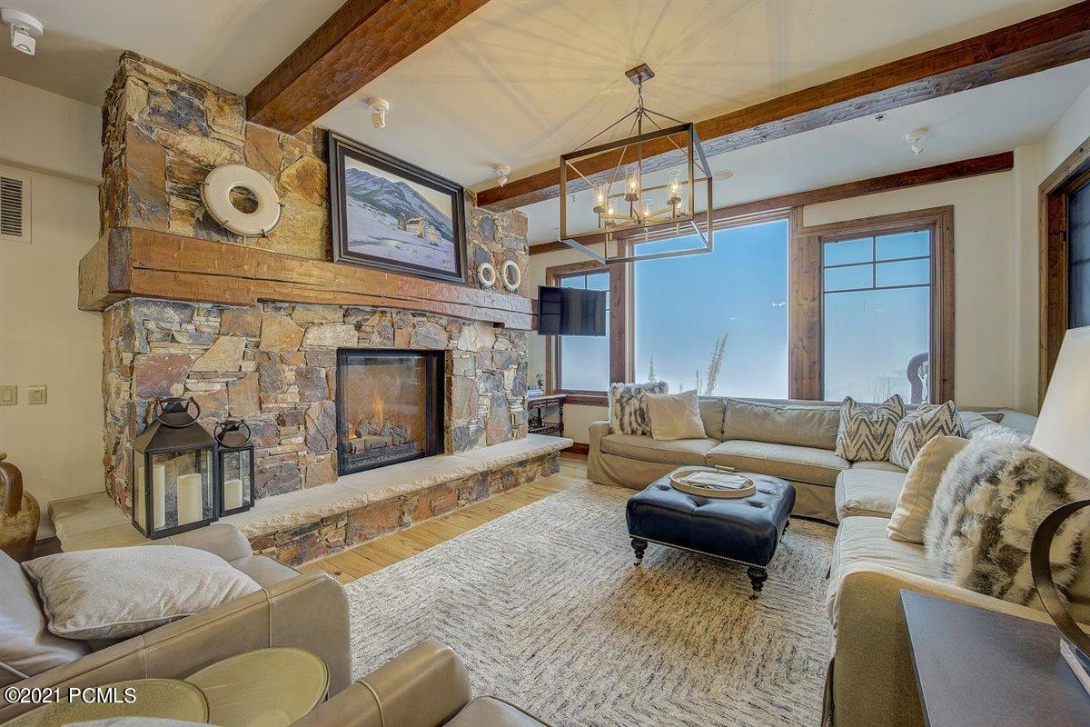 8777 Marsac Avenue, Park City, Utah 84060, 3 Bedrooms Bedrooms, ,4 BathroomsBathrooms,Condominium,For Sale,Marsac,12101472