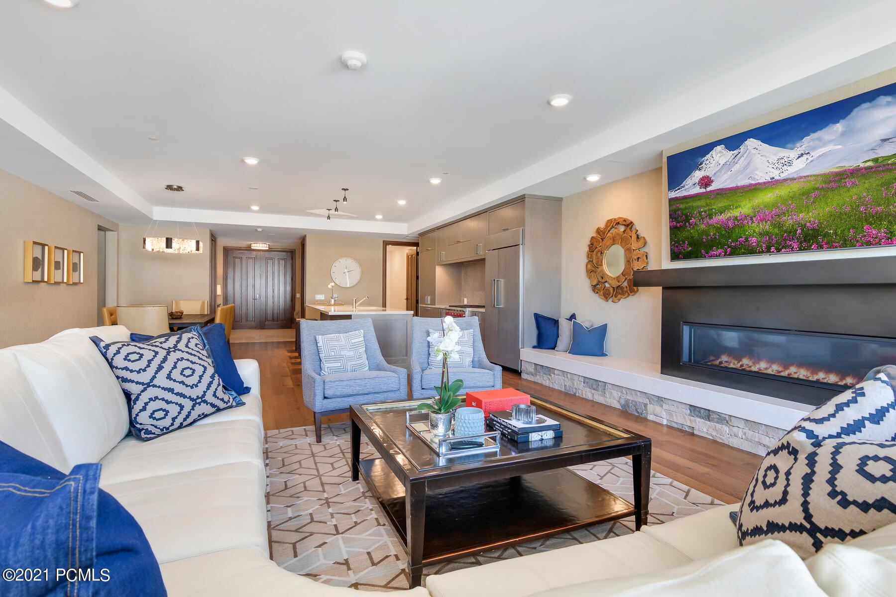 2290 Deer Valley Drive, Park City, Utah 84060, 3 Bedrooms Bedrooms, ,4 BathroomsBathrooms,Condominium,For Sale,Deer Valley,12101660