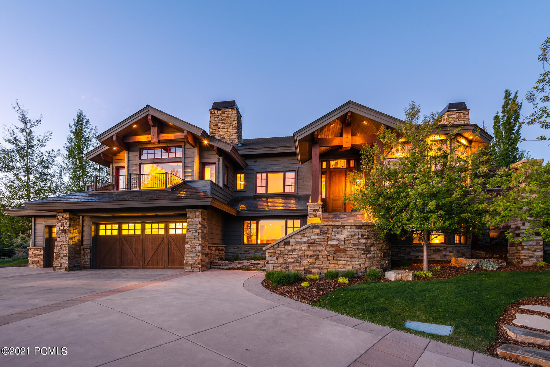 Beautiful mountain contemporary home in the Wapiti Canyon neighborhood situated on a quiet cul-de-sac with commanding views of the entire Wasatch back. The timeless design by renowned architect Otto-Walker takes advantage of the views, open space, and privacy that this home provides. Very well appointed with 3 levels, 6 bedrooms plus office, 6 baths, steam showers, radiant heat throughout, and heated driveway. Family room and gaming area with fully-equipped wet bar make for a great place for family gatherings and entertaining. Enjoy the expansive outdoor living spaces with wraparound decking and rear patio/entertaining area with built-in barbecue, fire pit and hot tub all set up for year-round use with heated patio. Meticulous care and maintenance have gone into this wonderful family retreat. Full golf membership is available for purchase with this property through a private transaction with Promontory Club, bypassing the waiting list.