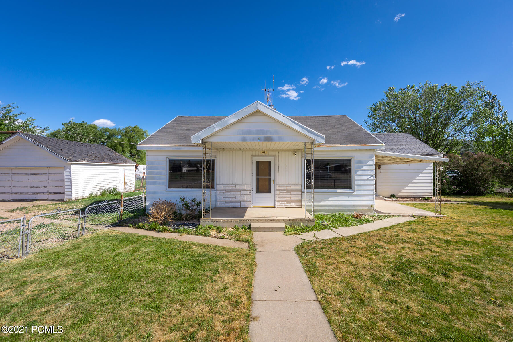 69 2200 South, Francis, Utah 84036, 3 Bedrooms Bedrooms, ,1 BathroomBathrooms,Single Family,For Sale,2200,12102429