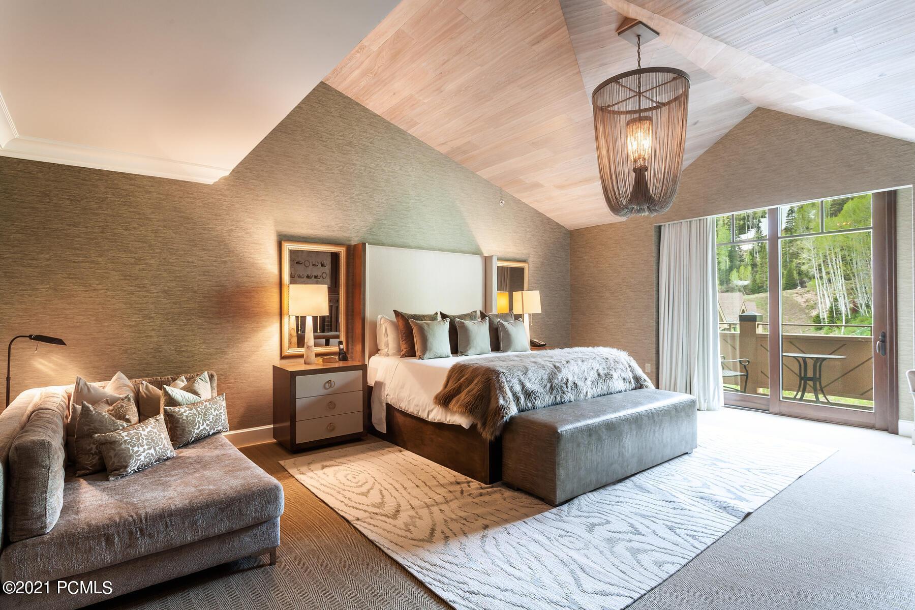 9100 Marsac Avenue, Park City, Utah 84060, 4 Bedrooms Bedrooms, ,4 BathroomsBathrooms,Condominium,For Sale,Marsac,12002472