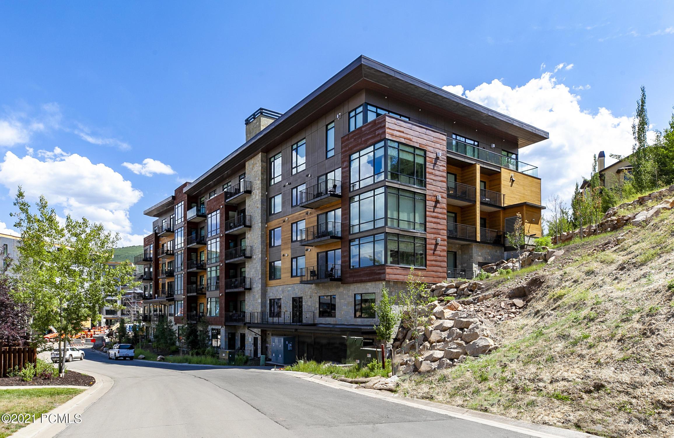 2431 High Mountain Road, Park City, Utah 84098, 4 Bedrooms Bedrooms, ,5 BathroomsBathrooms,Condominium,For Sale,High Mountain,12102900