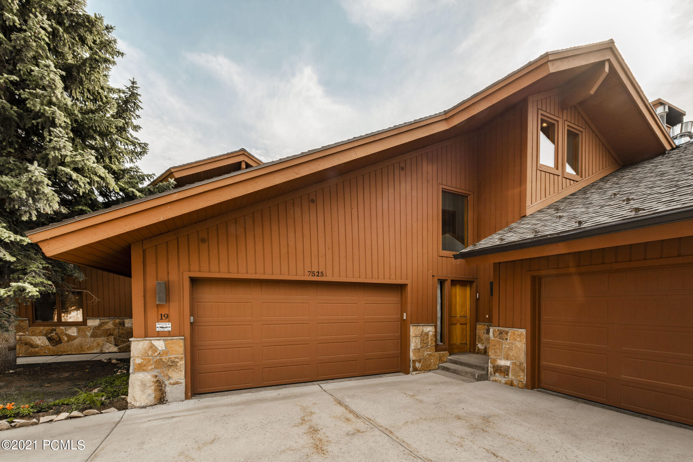 7525 Ridge Drive, Park City, Utah 84060, 3 Bedrooms Bedrooms, ,3 BathroomsBathrooms,Condominium,For Sale,Ridge,12102960