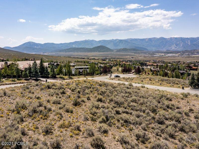 Stellar View lot in Promontory neighborhood of Sunset Ridge.  This is an easy build property that is south-facing.  Build your home in this quite neighborhood with easy access to the club amenities and west gate.