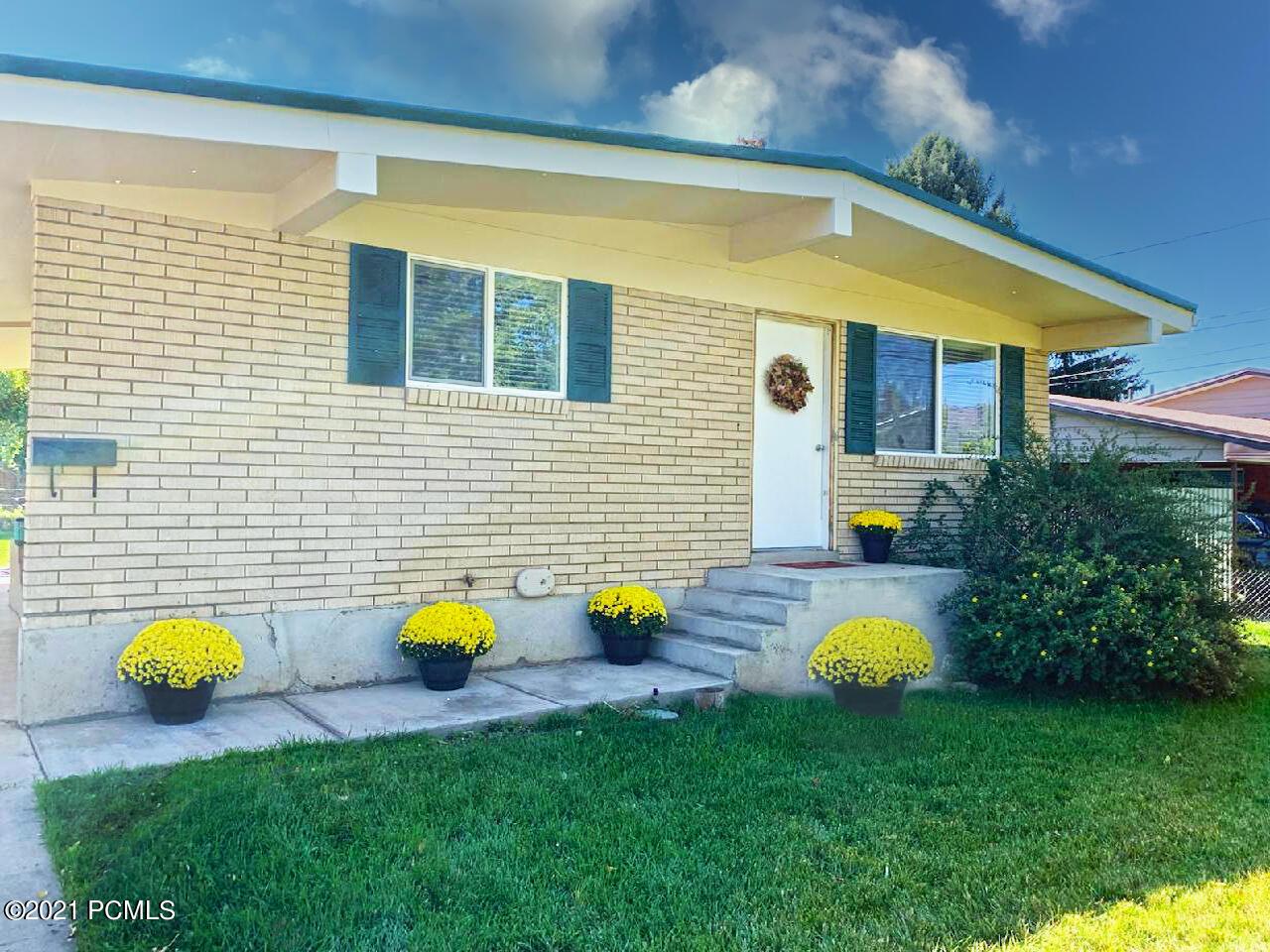 386 400 N, Heber City, Utah 84032, 4 Bedrooms Bedrooms, ,2 BathroomsBathrooms,Single Family,For Sale,400 N,12103915