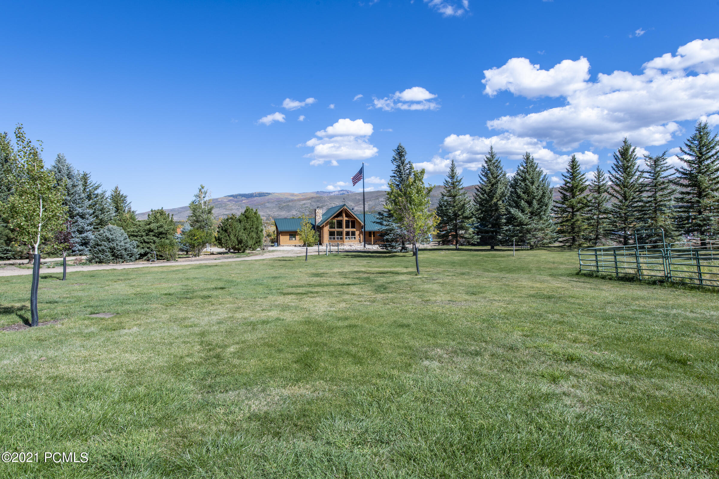 4055 Riverview Drive, Woodland, Utah 84036, 5 Bedrooms Bedrooms, ,4 BathroomsBathrooms,Single Family,For Sale,Riverview,12104073