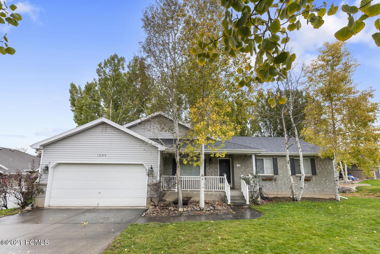 1295 Valley Hills Boulevard, Heber City, Utah 84032, 4 Bedrooms Bedrooms, ,2 BathroomsBathrooms,Single Family,For Sale,Valley Hills,12104139