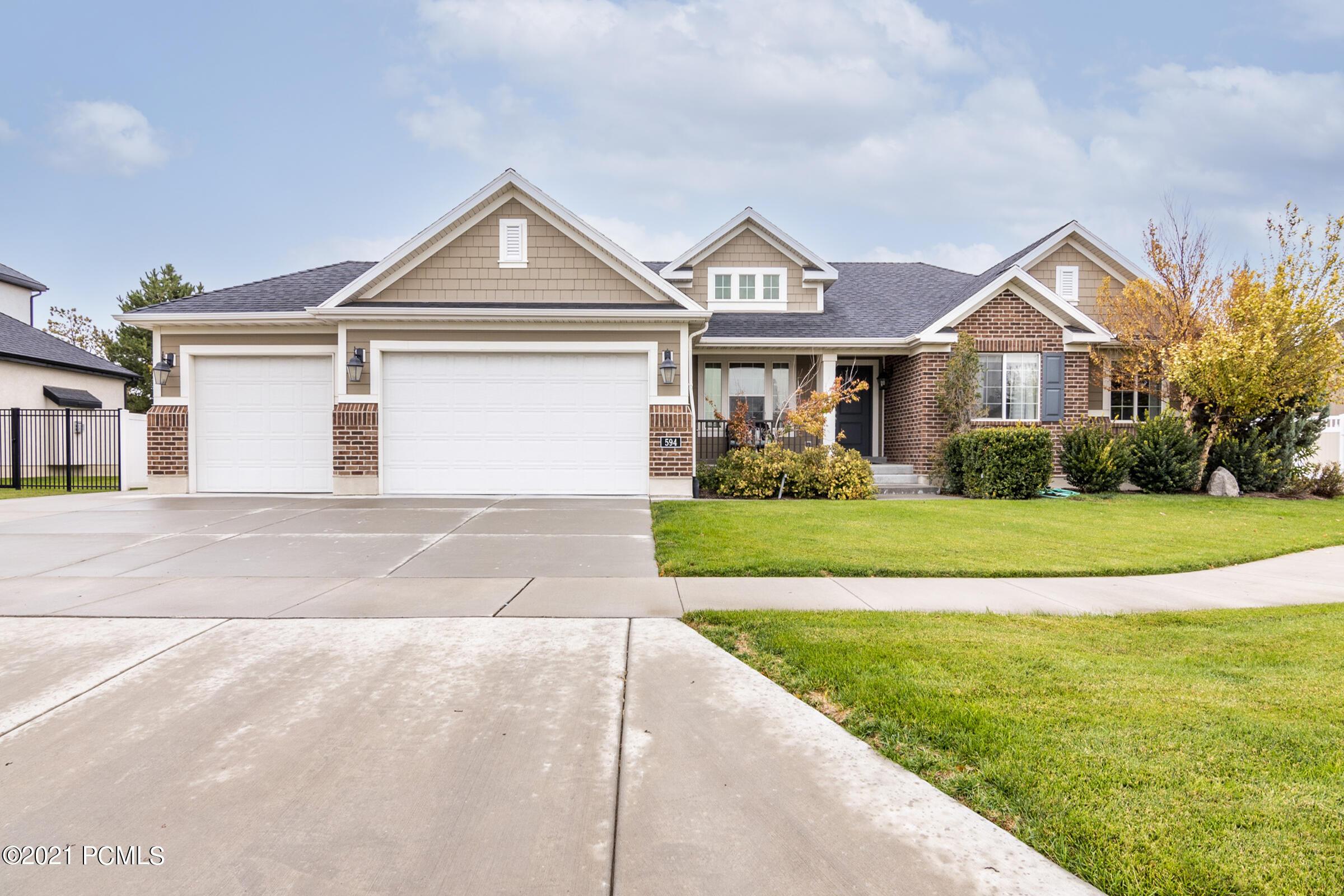 594 Galena Grove Way, Draper, Utah 84020, 6 Bedrooms Bedrooms, ,4 BathroomsBathrooms,Single Family,For Sale,Galena Grove,12104180