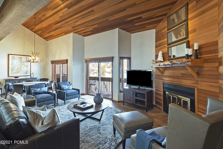 1509 Lakeside Court, Park City, Utah 84060, 3 Bedrooms Bedrooms, ,3 BathroomsBathrooms,Condominium,For Sale,Lakeside,12104195