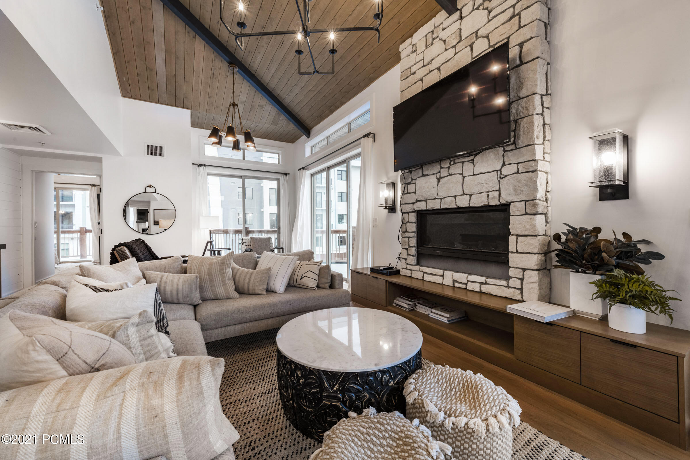 3000 Canyons Resort Drive, Park City, Utah 84098, 4 Bedrooms Bedrooms, ,4 BathroomsBathrooms,Condominium,For Sale,Canyons Resort,12104245