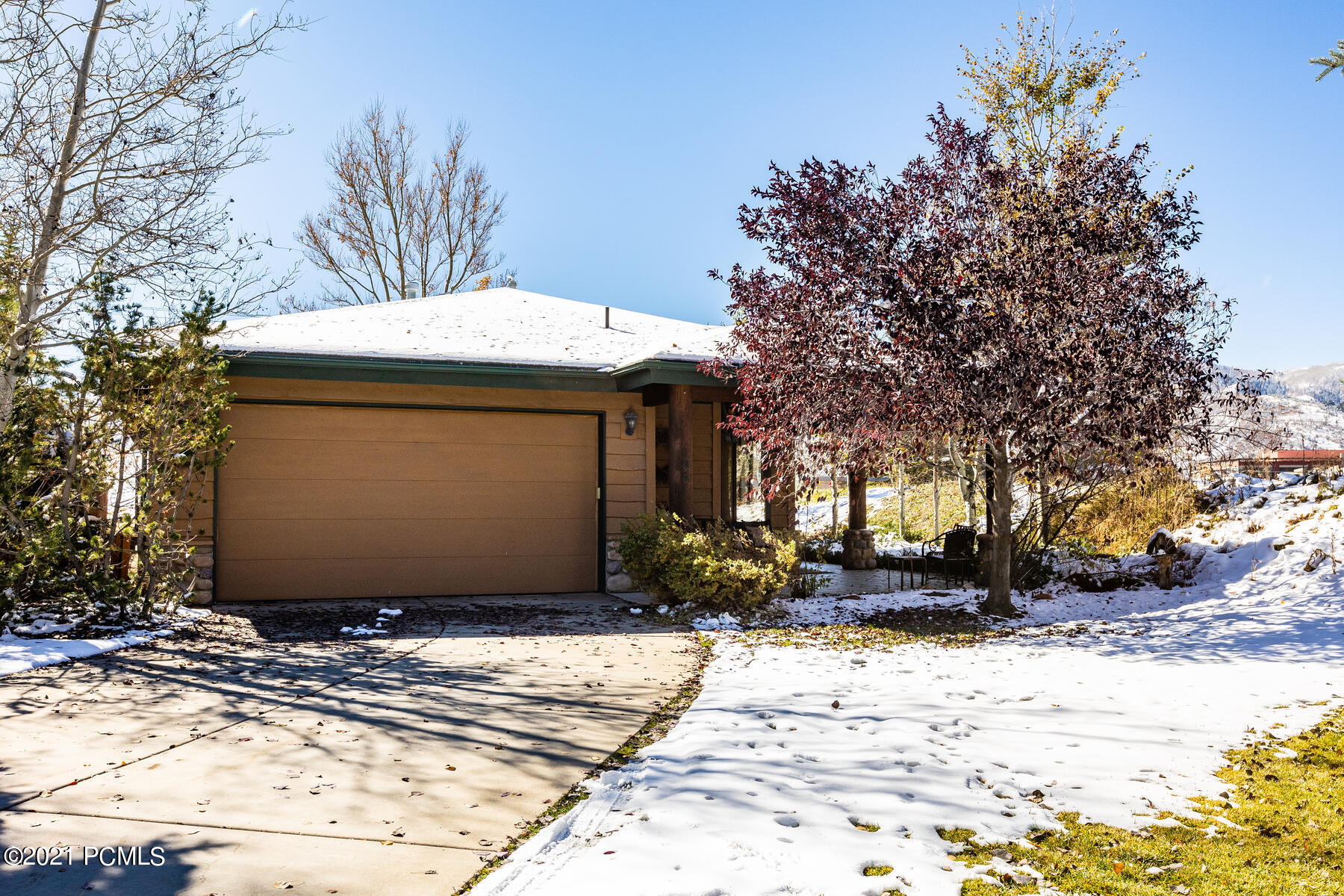 1061 Lincoln Lane, Park City, Utah 84098, 3 Bedrooms Bedrooms, ,2 BathroomsBathrooms,Single Family,For Sale,Lincoln,12104194