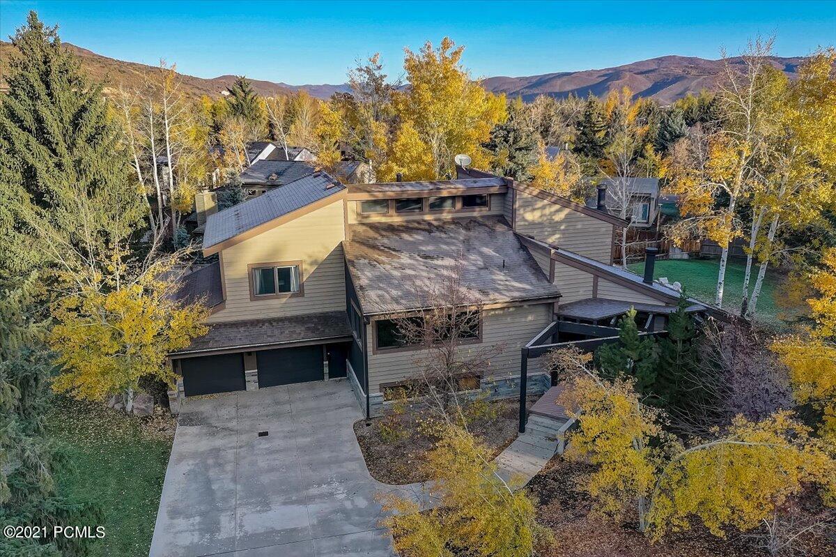 4807 Meadows Drive, Park City, Utah 84098, 3 Bedrooms Bedrooms, ,4 BathroomsBathrooms,Single Family,For Sale,Meadows,12104251