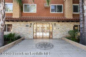 3220 Altura Avenue, 330, Glendale, CA 91214