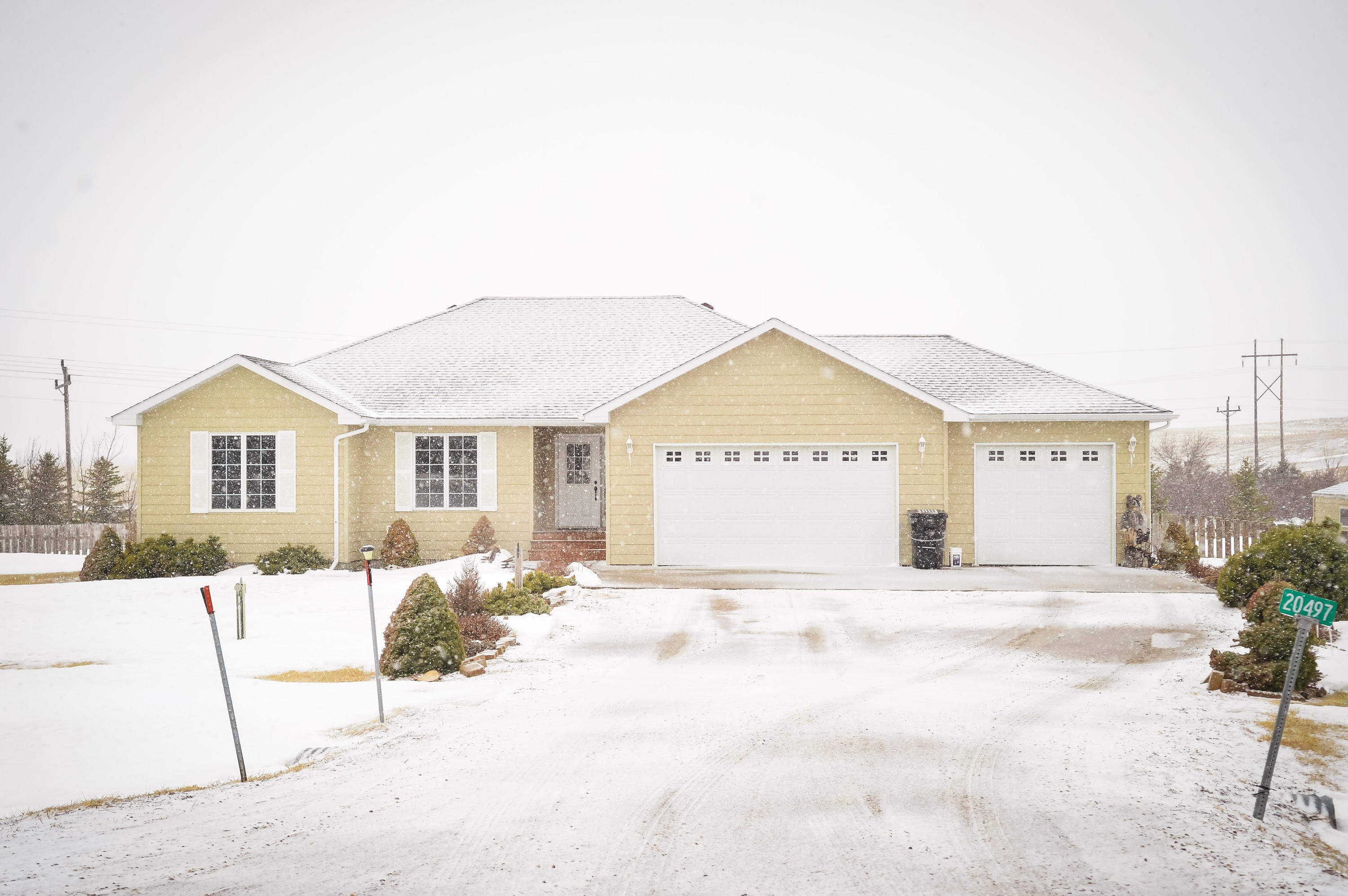 20497 Homestead Place, Pierre, SD 57501 (MLS# 18-71) | Pierre/Fort ...
