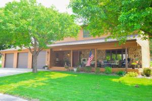 1126 Woodriver Drive, Pierre, SD 57501