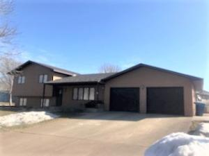 816 Currant Drive, Pierre, SD 57501