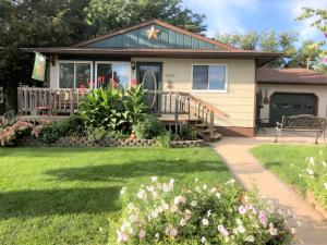 1208 E Capitol Avenue, Pierre, SD 57501