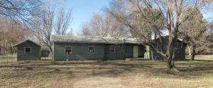 511 Commercial Avenue, Blunt, SD 57522
