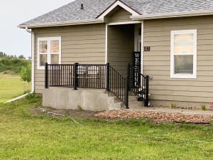 412 Explorers Cove Court, Pierre, SD 57501