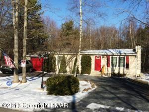 63 Pocahontas Ln, Albrightsville, PA 18210