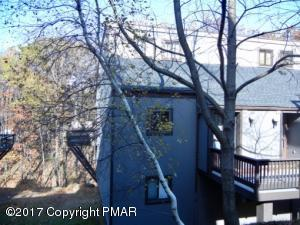 48 Slalom Way, Tannersville, PA 18372