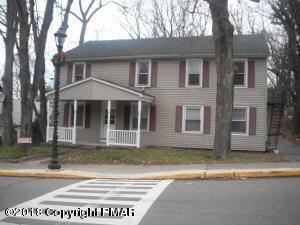 36 Main St, Delaware Water Gap, PA 18327