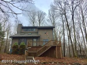102 Mountainside Dr, Gouldsboro, PA 18424