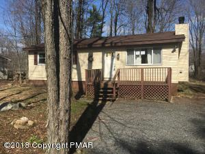 1148 Chickadee Dr, Pocono Summit, PA 18346