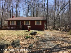80 Mountain Glen Dr, Gouldsboro, PA 18424