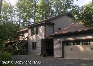 29 Conservancy Ct, Gouldsboro, PA 18424