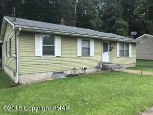 121 N 3Rd St, Stroudsburg, PA 18360