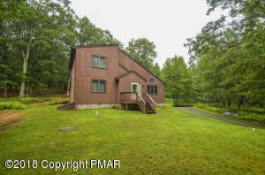 186 Ruffed Grouse Rd, Bushkill, PA 18324